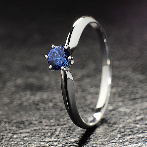 Gold or Platinum engagement ring with Sapphire i009Sf