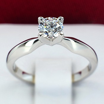 Classical Platinum engagement ring with Diamond i017p4 - GIA 0.30ct D-VS2