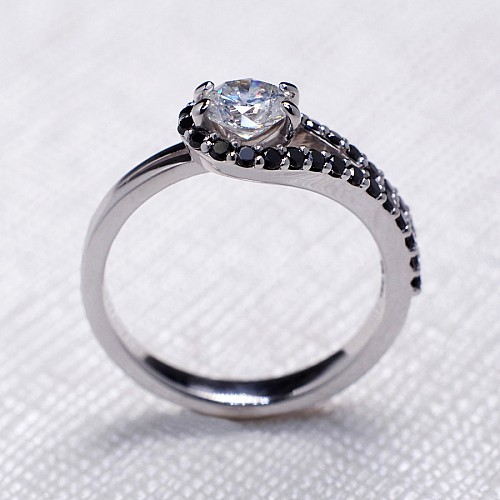 Gold or Platinum engagement ring with White and Black Diamonds i1240didn