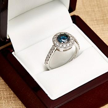 Inel de logodna din Aur sau Platina cu Diamant Albastru si Diamante i2159DbDi