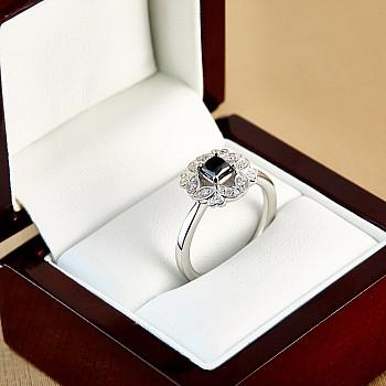 Inel de logodna i72000DnpDi din Aur cu Diamant Negru Princess Cut si Diamante secundare