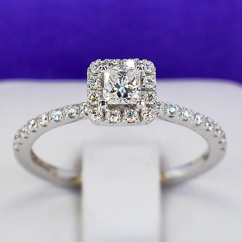 Gold engagement ring with 0.61ct Diamonds model i884dipdi