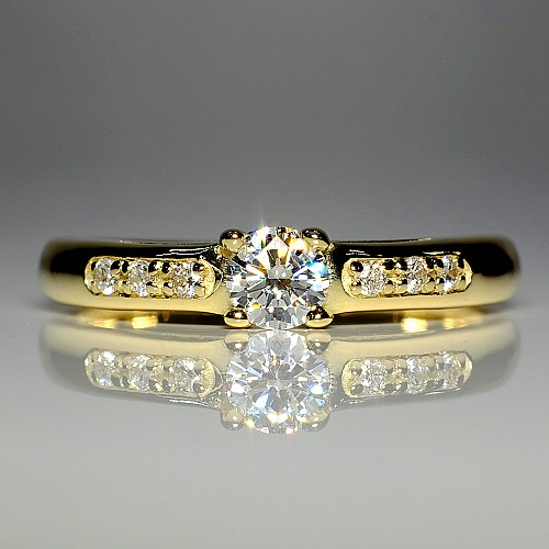 Gold or Platinum engagement ring with Diamonds i058didi