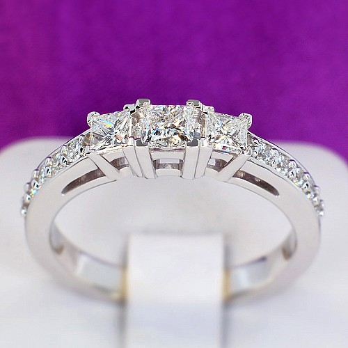 Gold or Platinum engagement ring with Diamonds i1143DipDi