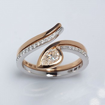 Engagement Ring i1187dipadi with Pear cut Diamond from Gold or Platinum - GIA