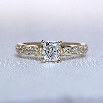 Engagement ring from Gold or Platinum with cushion cut main Diamond i1218dchdi - GIA