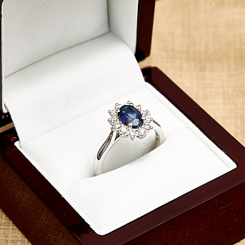 Inel de logodna Kate Middleton i055SfDi din Aur sau Platina cu Safir si Diamante