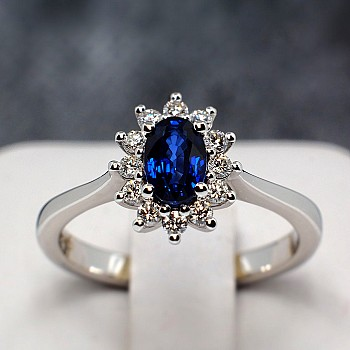 Platinum engagement Kate Middleton ring with Sapphire and Diamonds p055SfDi