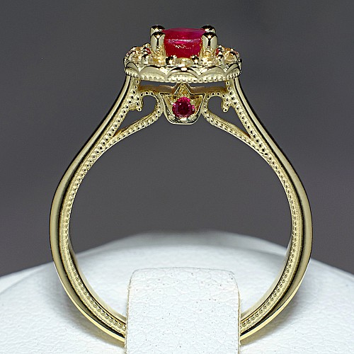 Gold ring with Ruby and Diamonds 524RbDi