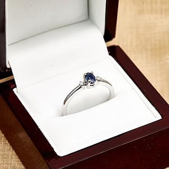 Inel Cadou i020SfODi din Aur sau Platina cu Safir si Diamante