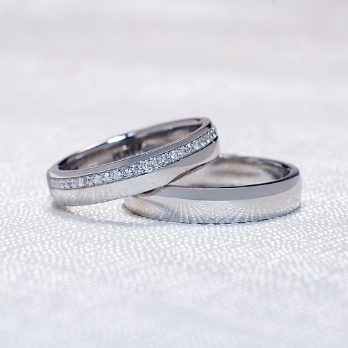 Gold or Platinum wedding rings with Diamonds v105