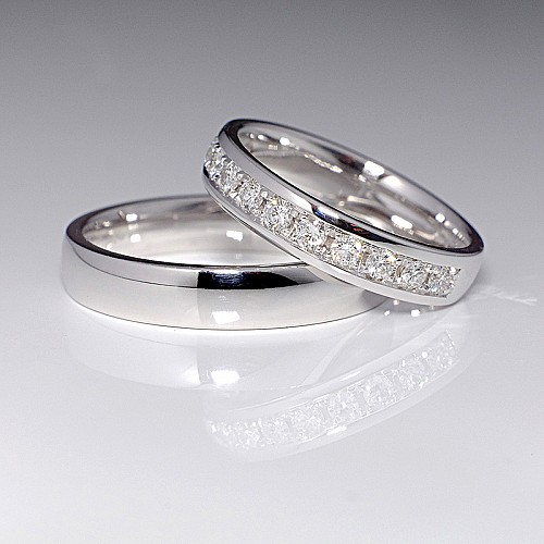 Gold or Platinum wedding rings with Diamonds v115