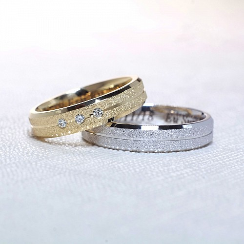 Gold or Platinum wedding rings with Diamonds v1173