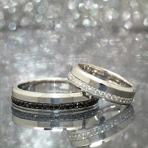 Gold or Platinum wedding rings with Colorless and Black Diamonds v138
