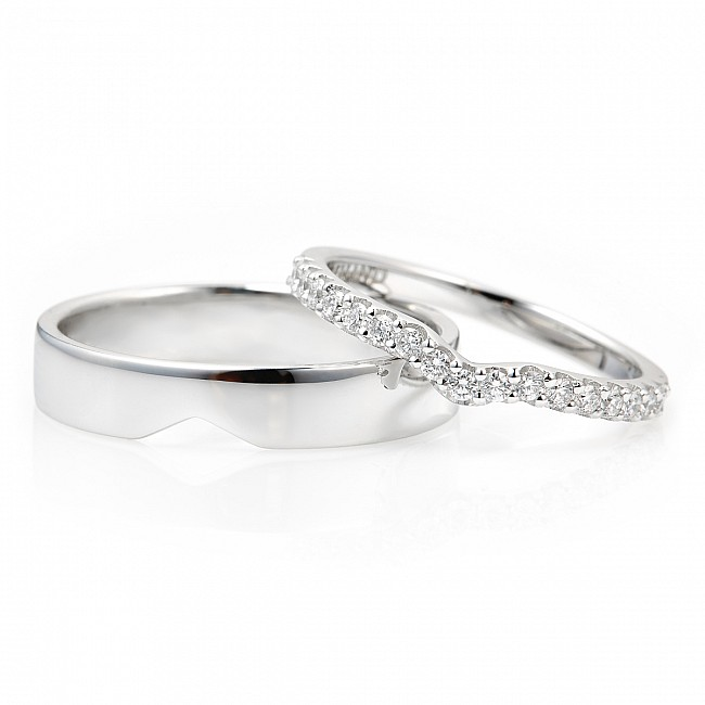 Gold or Platinum wedding rings with Diamonds v211