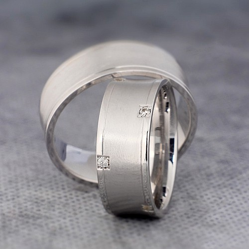 Gold wedding rings with Diamonds v861