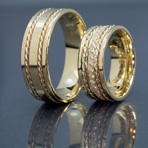 Gold wedding rings with Diamonds v975