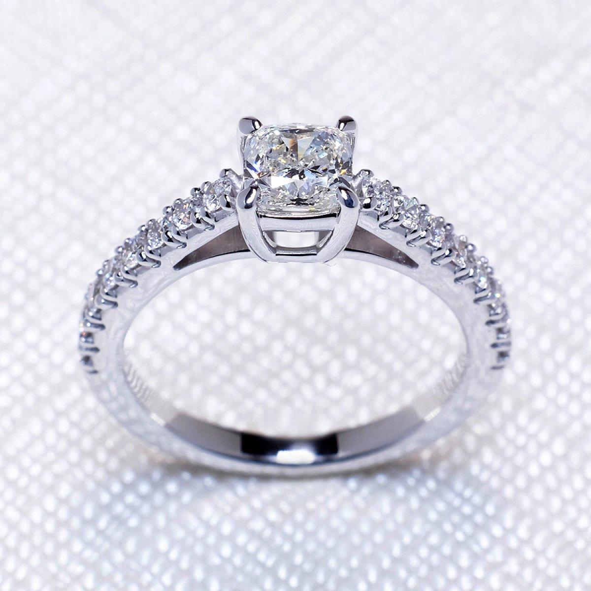 inel de logodna aur alb